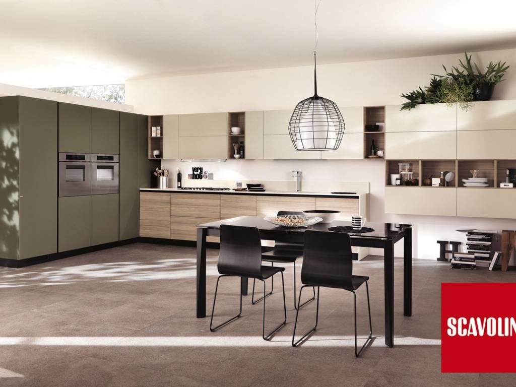 cucina liberamente scavolini la composizione di questa cucina ad angolo e comprende uno spazio plurifunzionale sviluppato con basi ed elementi a giorno