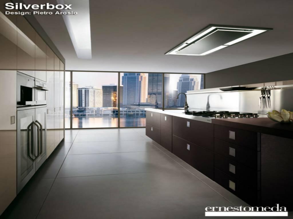 Free cucina silverbox ernestomeda il modello esposto in for Arosio arredamenti