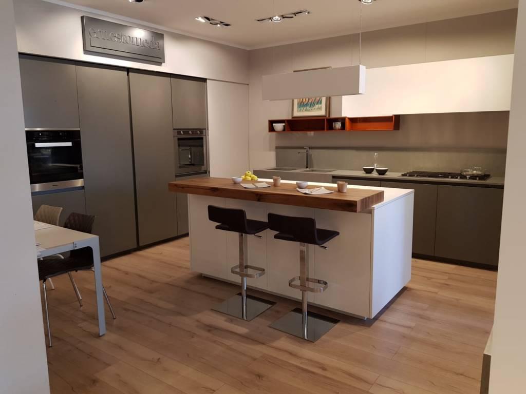 Cucina One80 Expo Ernestomeda: prezzi, foto e materiali ...